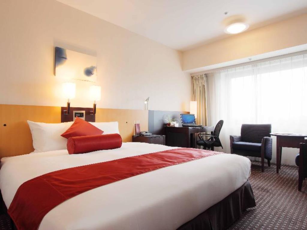 ANAクラウンプラザホテル成田のデラックスキングベッドルーム